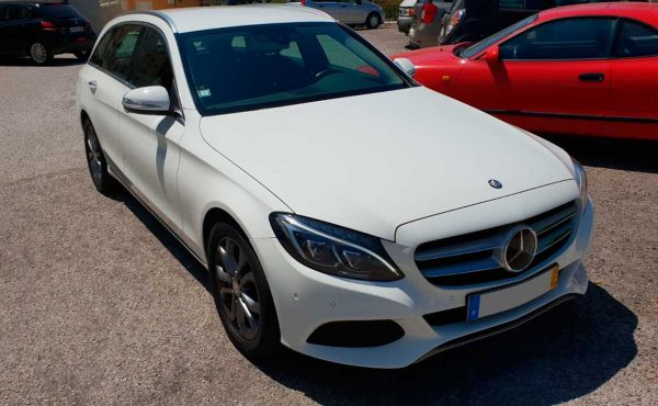AutoHub - O seu centro de soluções Auto - Carros Como Novos - Carros usados - Carro Usado Mercedes-Benz C250 AT Avantgarde Plus Usado