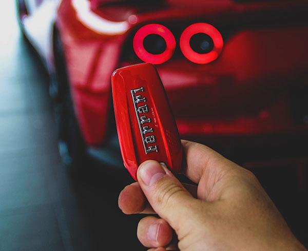 AutoHub - O seu centro de soluções Auto - CarrosUsados - Carros Como Novos - Carros Usados Ferrari e Muito Mais em Lisboa- Ferrari_7