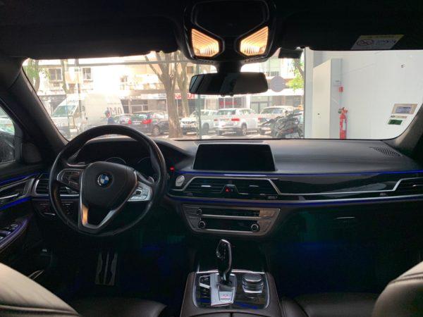 BMW Série 7 2015 usado_Stand Carros Usados Lisboa_Automóveis seminovos_Interior_1