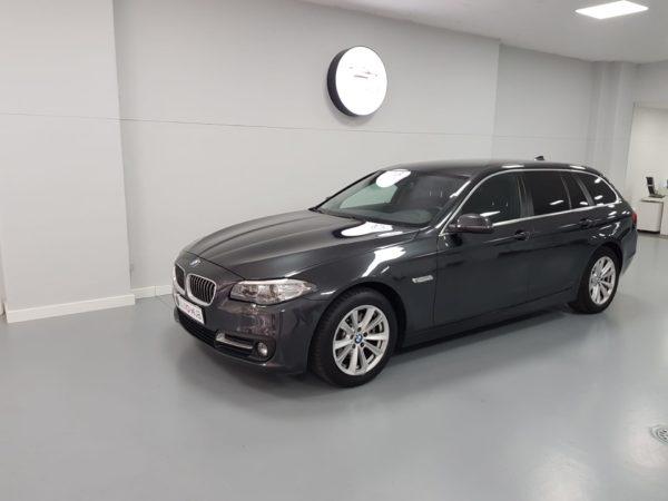 BMW Série 5 520 Luxury Usado 2015 Stand Automóveis em Lisboa Auto Hub Carros Usados como novo em Portugal_0