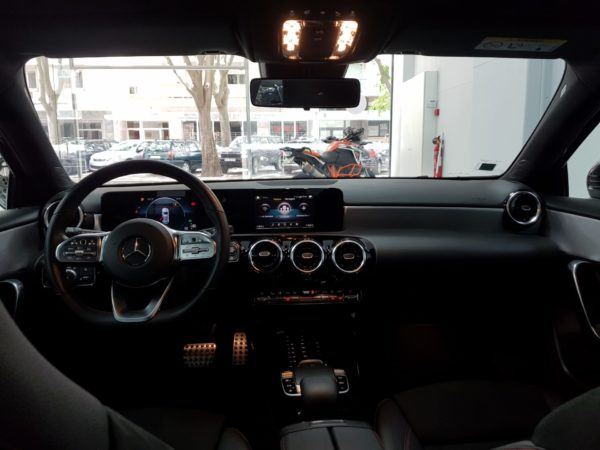 Mercedes Classe A 180 2019 AMG Usado - Stand em Lisboa - Melhor seleção de automóveis usados - Pack AMG - Mercedes Usados de Qualidade