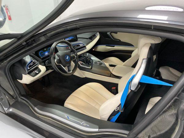 BMW i8 2015 usado 2015_Stand Carros Usados Lisboa_Automóveis BMW em Lisboa seminovos_Carros Desportivos_1