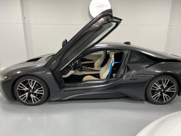 BMW i8 2015 usado 2015_Stand Carros Usados Lisboa_Automóveis BMW em Lisboa seminovos_Carros Desportivos_2