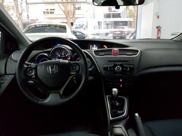 Honda Civic T Usado 2014 _Automóveis Usados_Stand em Portugal_3