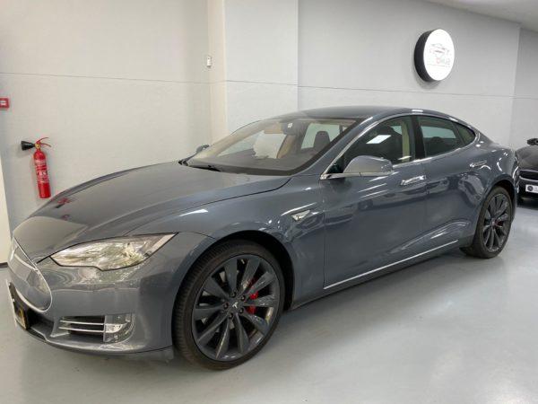 Tesla Model S P85+ Usado 2014 Stand Auto Hub Carros Usados e Seminovos A melhor seleção de automóveis Tesla Usados Stand em Lisboa
